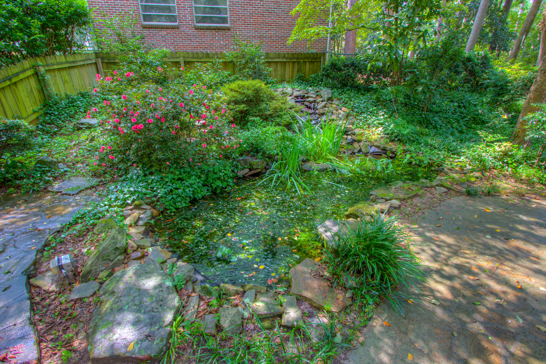 Additional photo for property listing at Charming Morningside Brick Home On The Park 1346 Beech Valley Road NE Atlanta, Georgien 30306 Usa