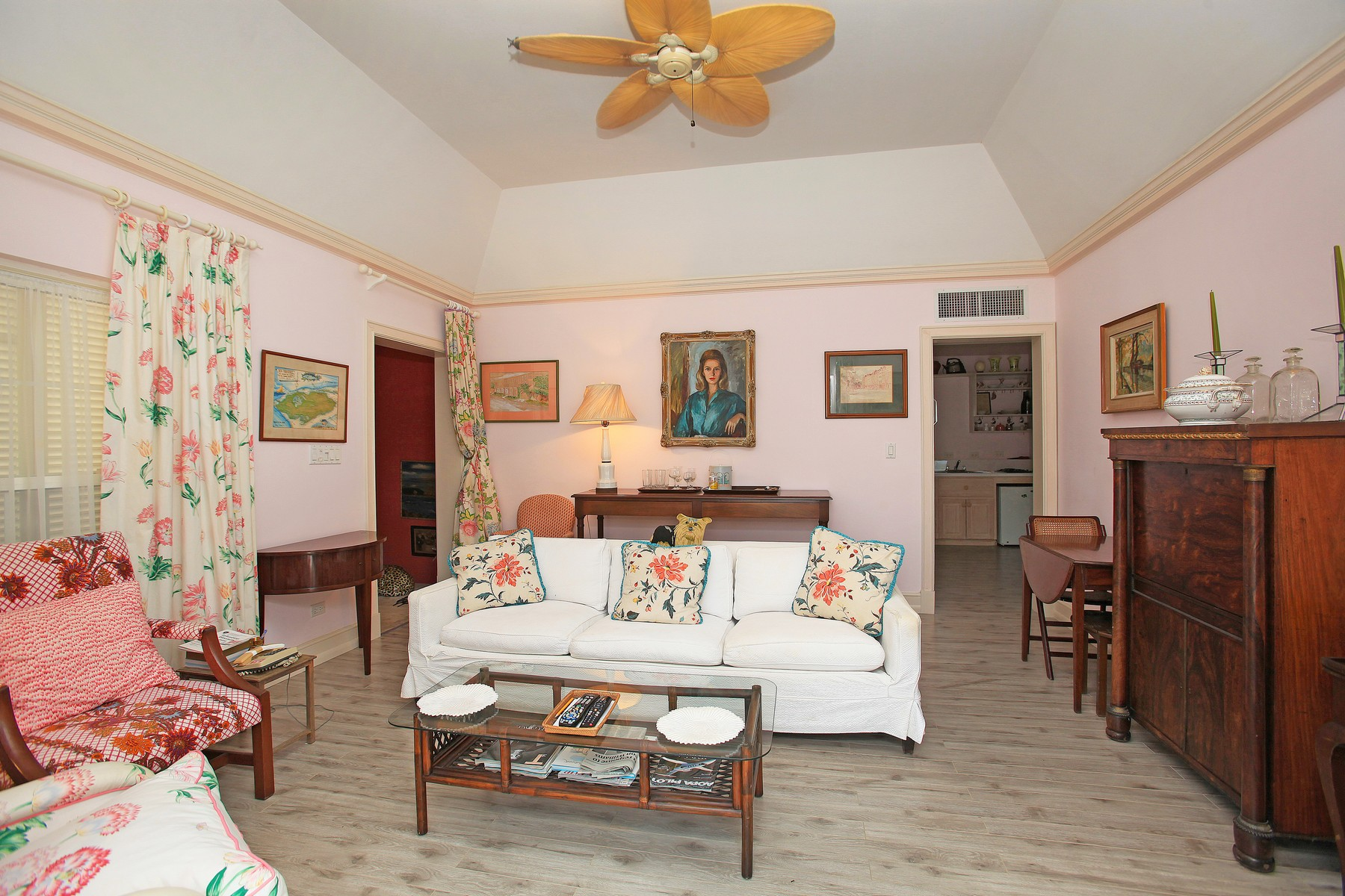 Additional photo for property listing at Parco Flora Lyford Cay, New Providence/Nassau Bahamas