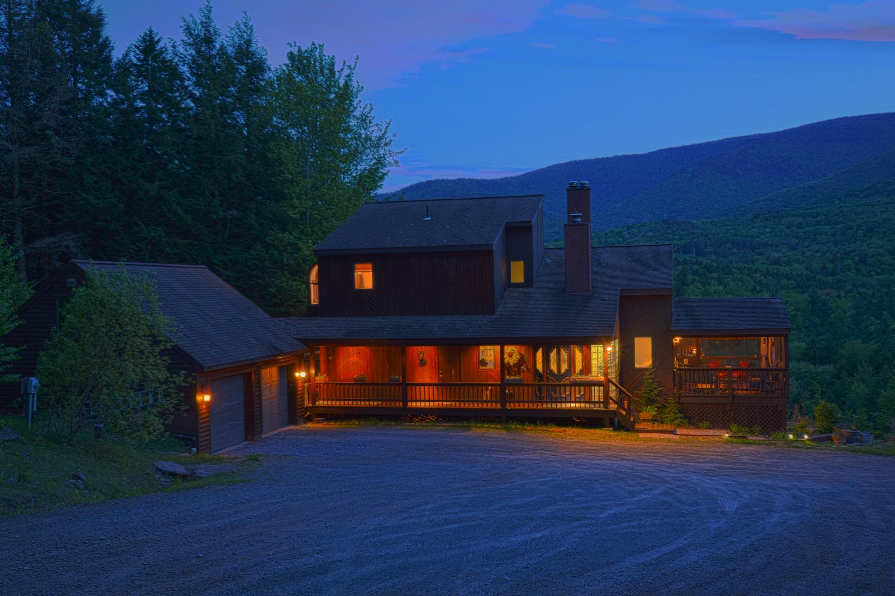 Casa Unifamiliar por un Venta en Heavenly Hunter Retreat 7189 Route 23A Hunter, Nueva York 12442 Estados Unidos