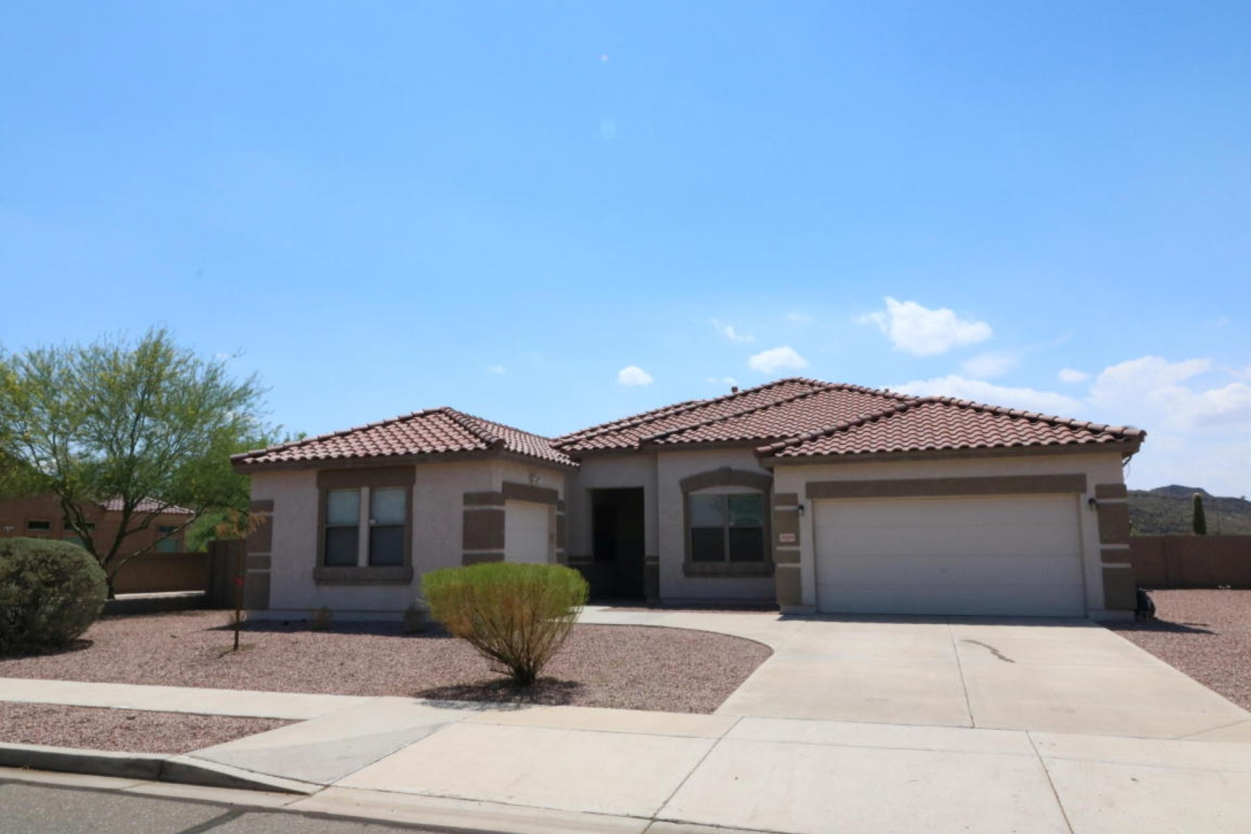 Single Family Home for Sale at Beautiful home in Arizona Silverado community 26804 N 32nd Ln Phoenix, Arizona, 85083 United States