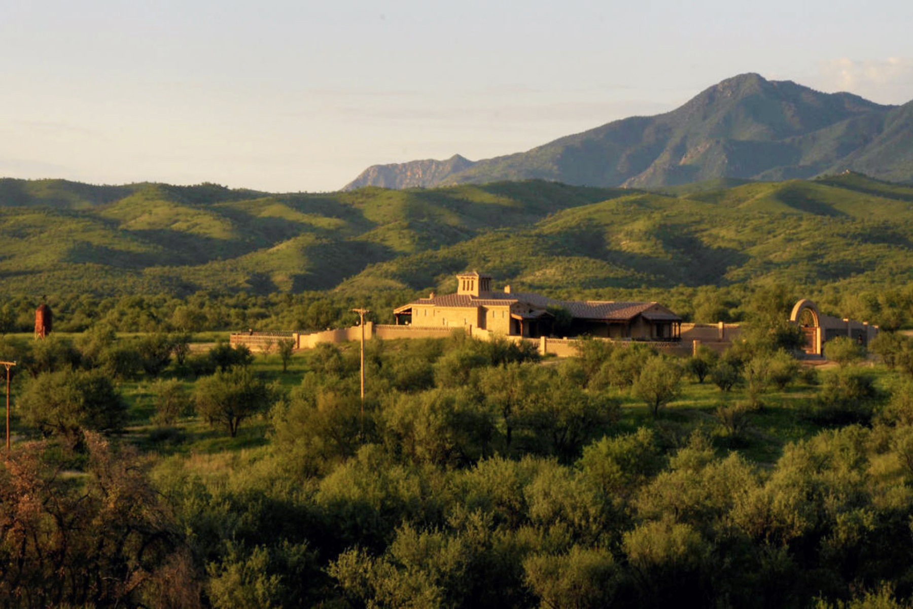 独户住宅 为 销售 在 Magnificent Private Western Ranch Home On 36 Acres In Southern Arizona 32 De Padre Court Nogales, 亚利桑那州 85621 美国
