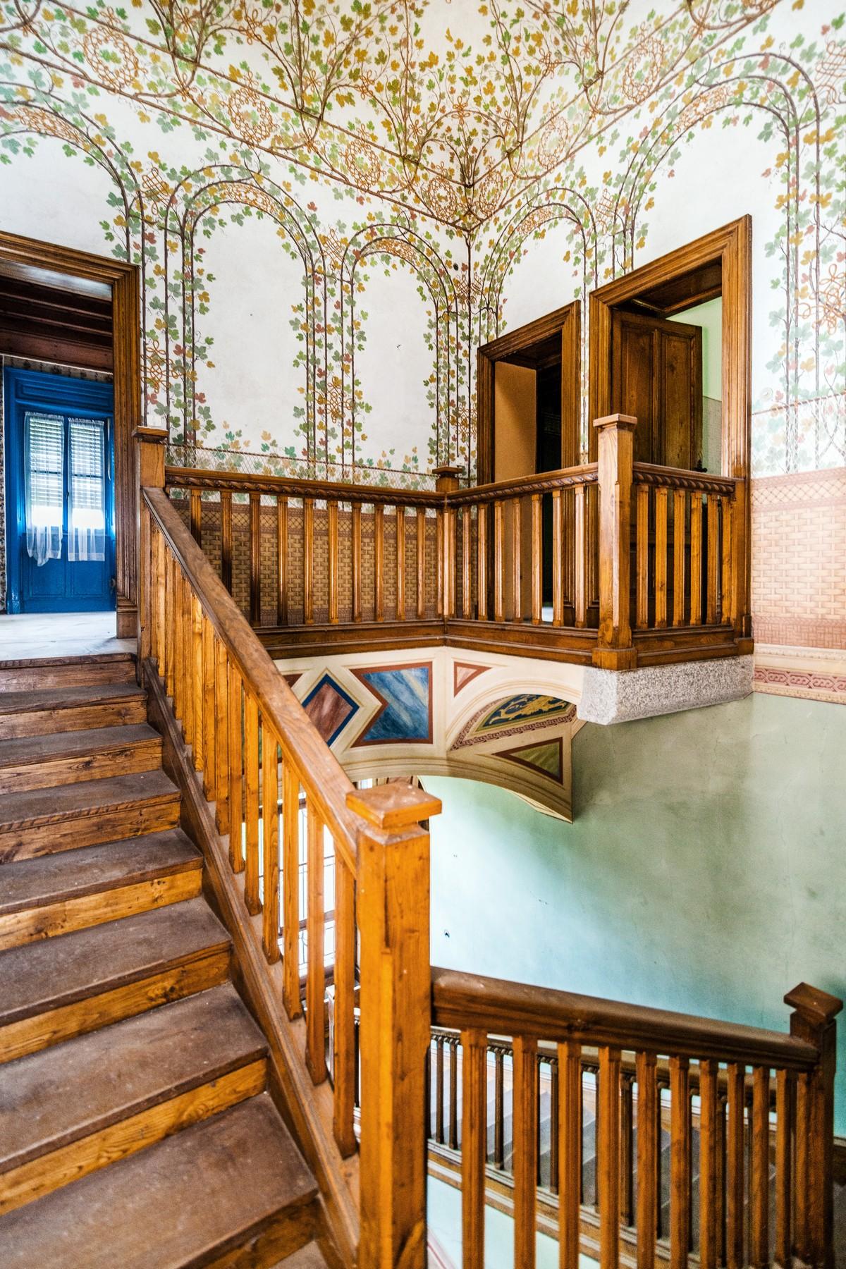 Additional photo for property listing at Superlative neo-medieval Villa Via Scalini Brunate, Como 22034 Italia