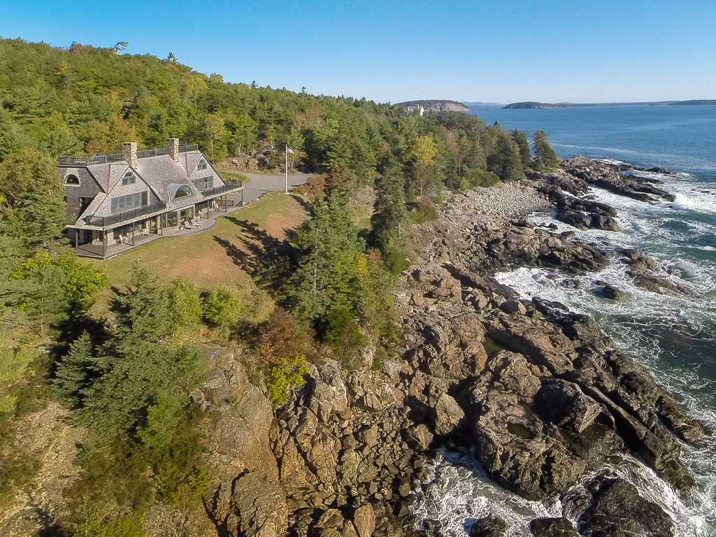 Villa per Vendita alle ore Bear Creek 120 Schooner Head Road Bar Harbor, Maine, 04609 Stati Uniti