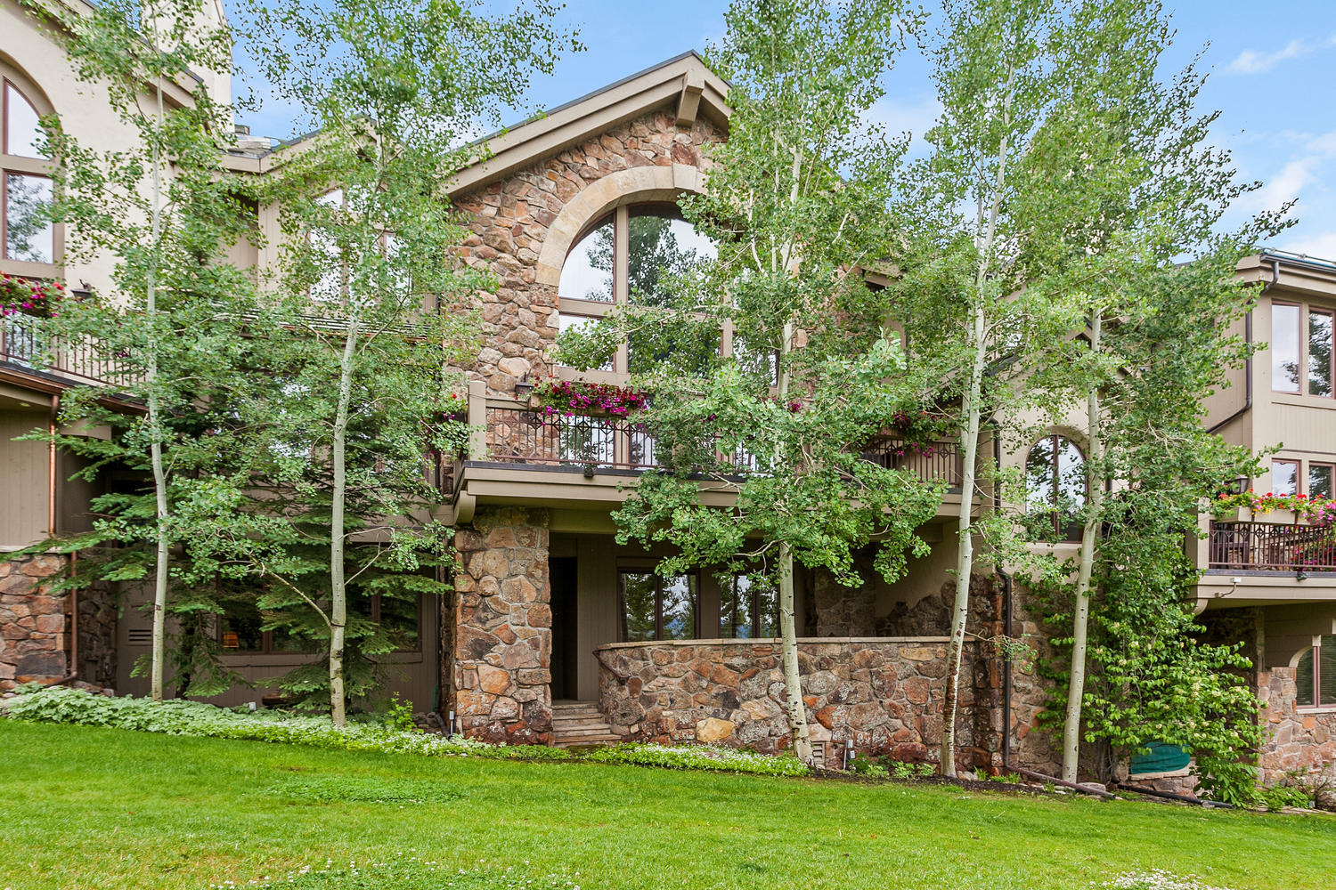 Таунхаус для того Продажа на Wiltshire Court #5 52 Highlands Lane Beaver Creek, Beaver Creek, Колорадо, 81620 Соединенные Штаты