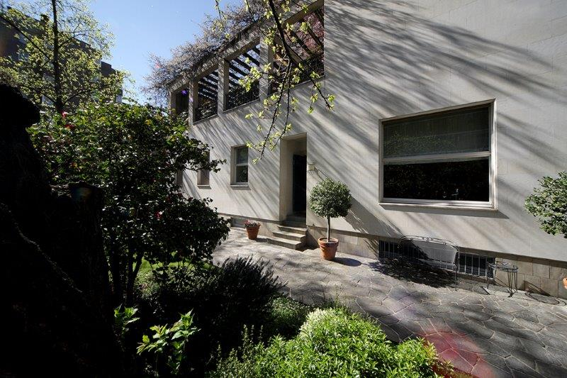 Additional photo for property listing at Villa entirely refurbished with garden Via Monte Rosa Milano, Milan 20148 Italien