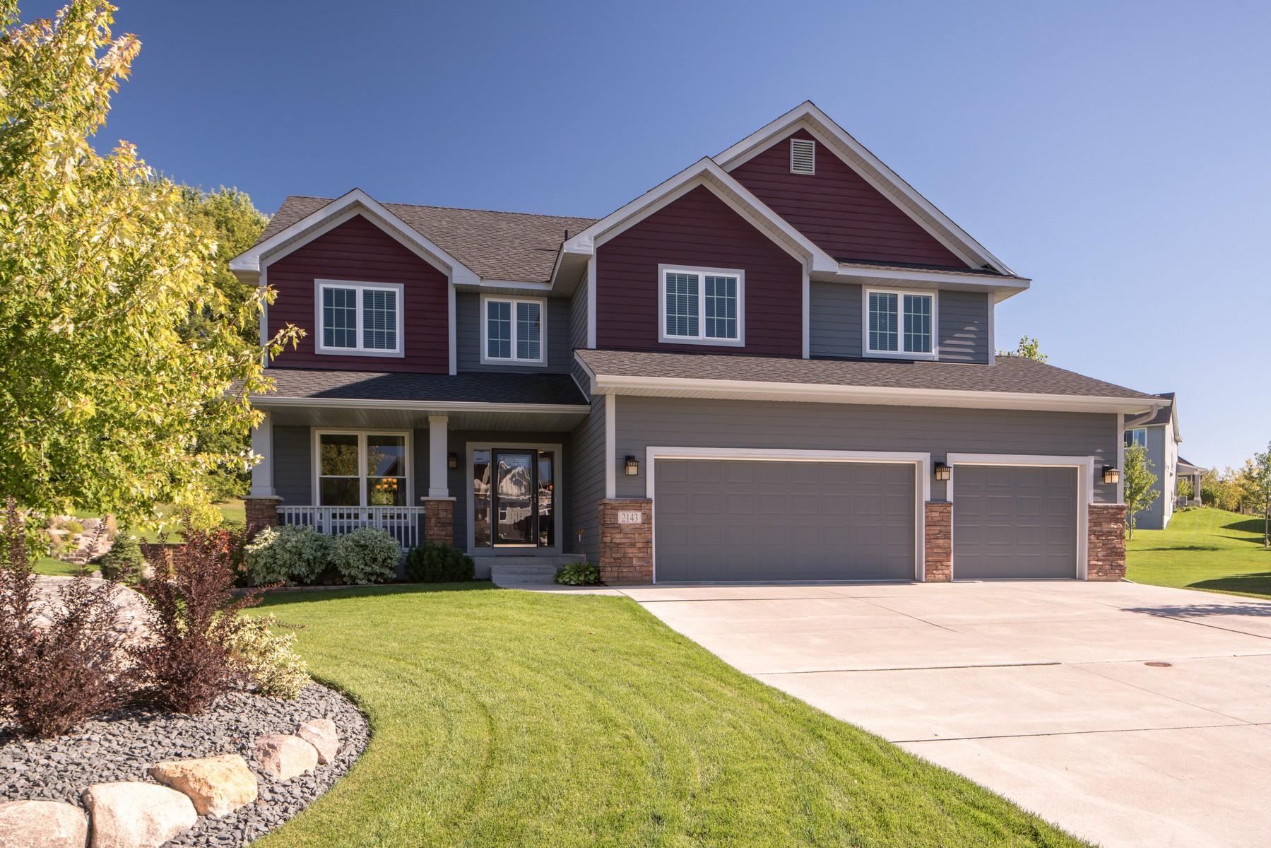 Casa Unifamiliar por un Venta en 2143 Halli Road Shakopee, Minnesota 55379 Estados Unidos