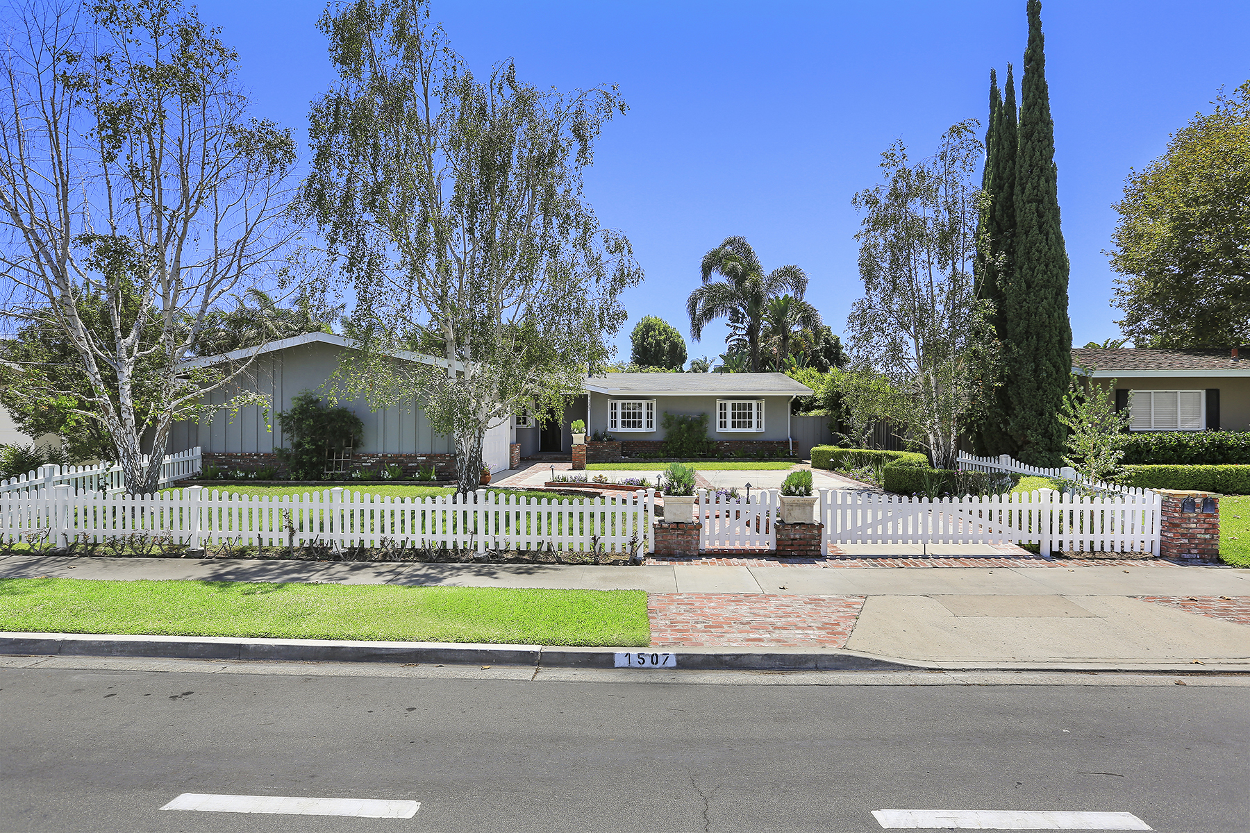 Single Family Home for Sale at 1507 Mariners Drive Newport Beach, California 92660 United States