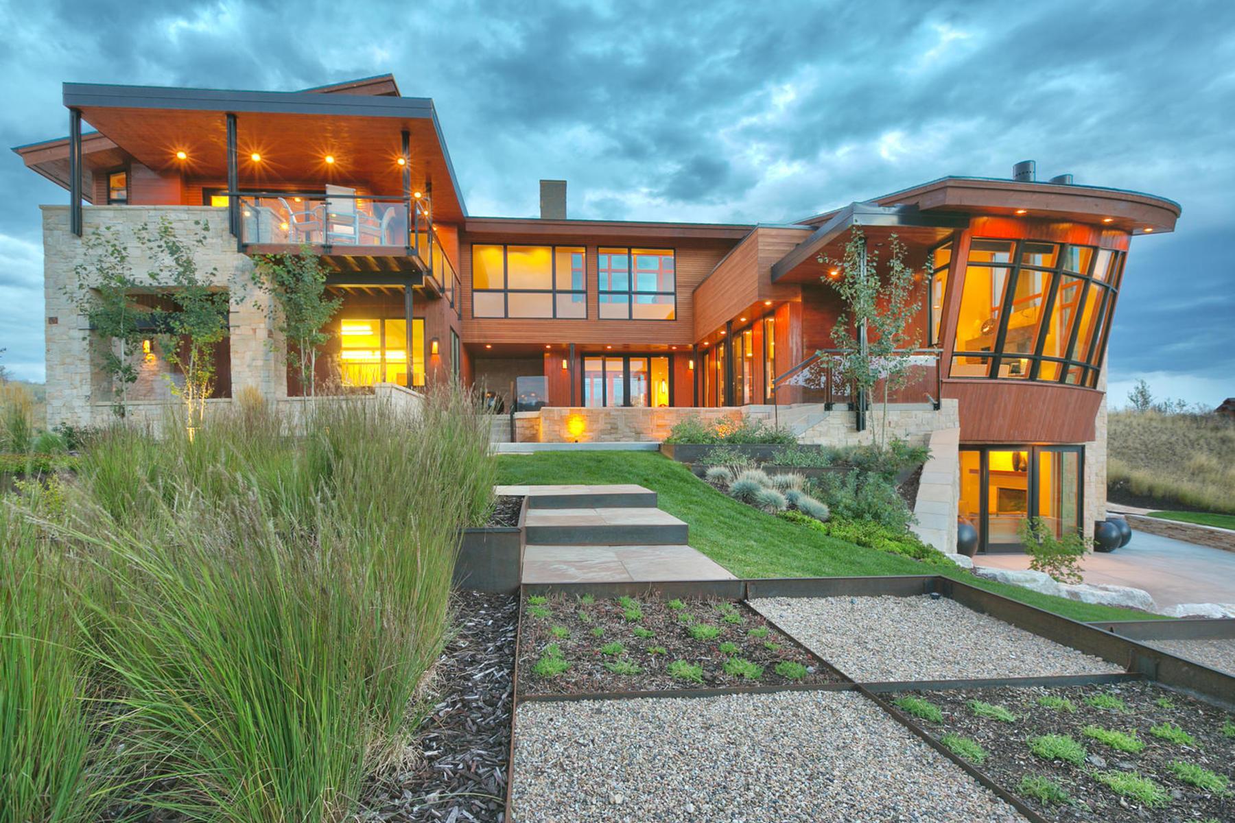 独户住宅 为 销售 在 Extraordinary Epitome of Modern Luxury 6639 E Chaparral Rd 亨茨维尔, 犹他州, 84317 美国