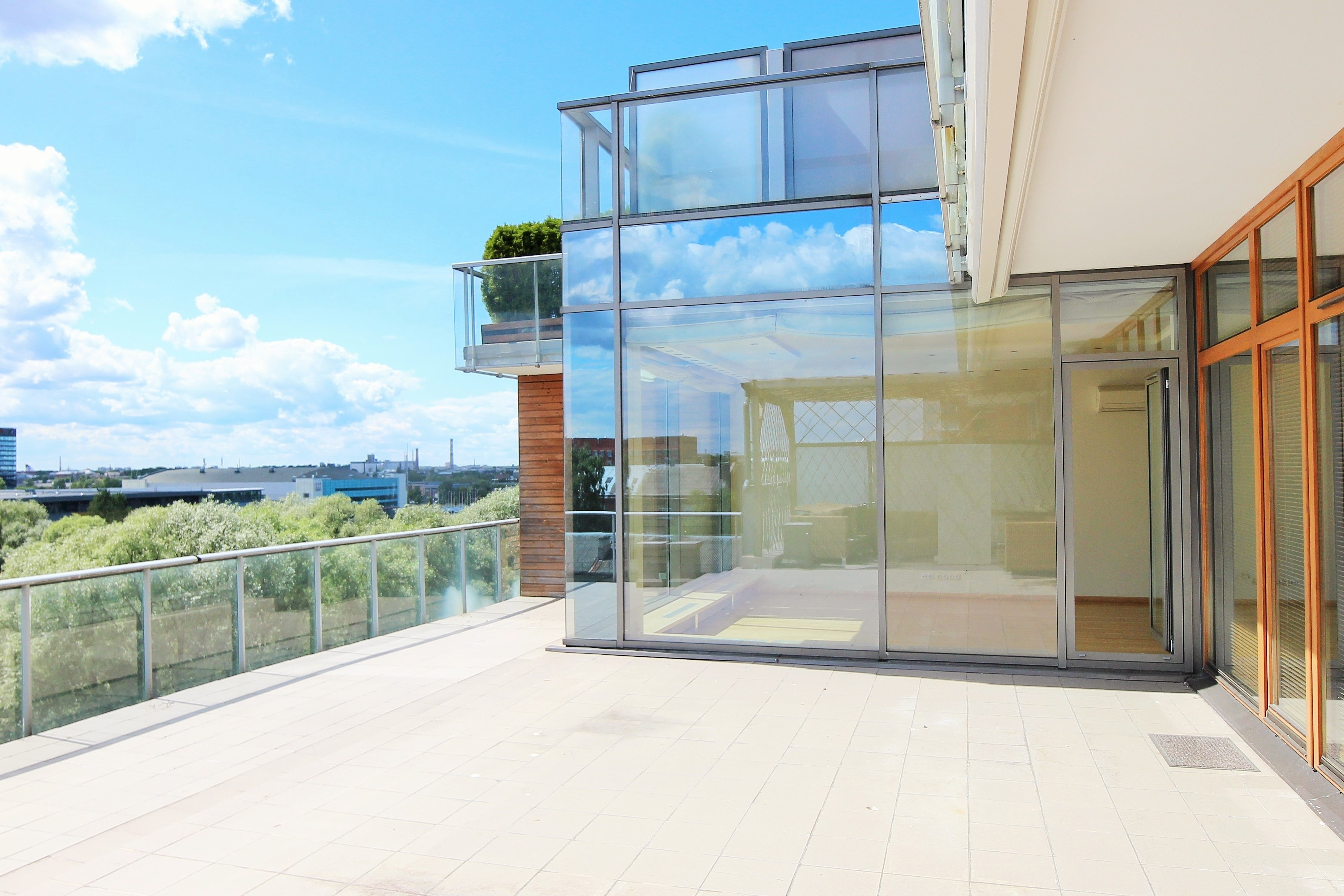 Property For Sale at Spacious and sunny apartment with a terrace