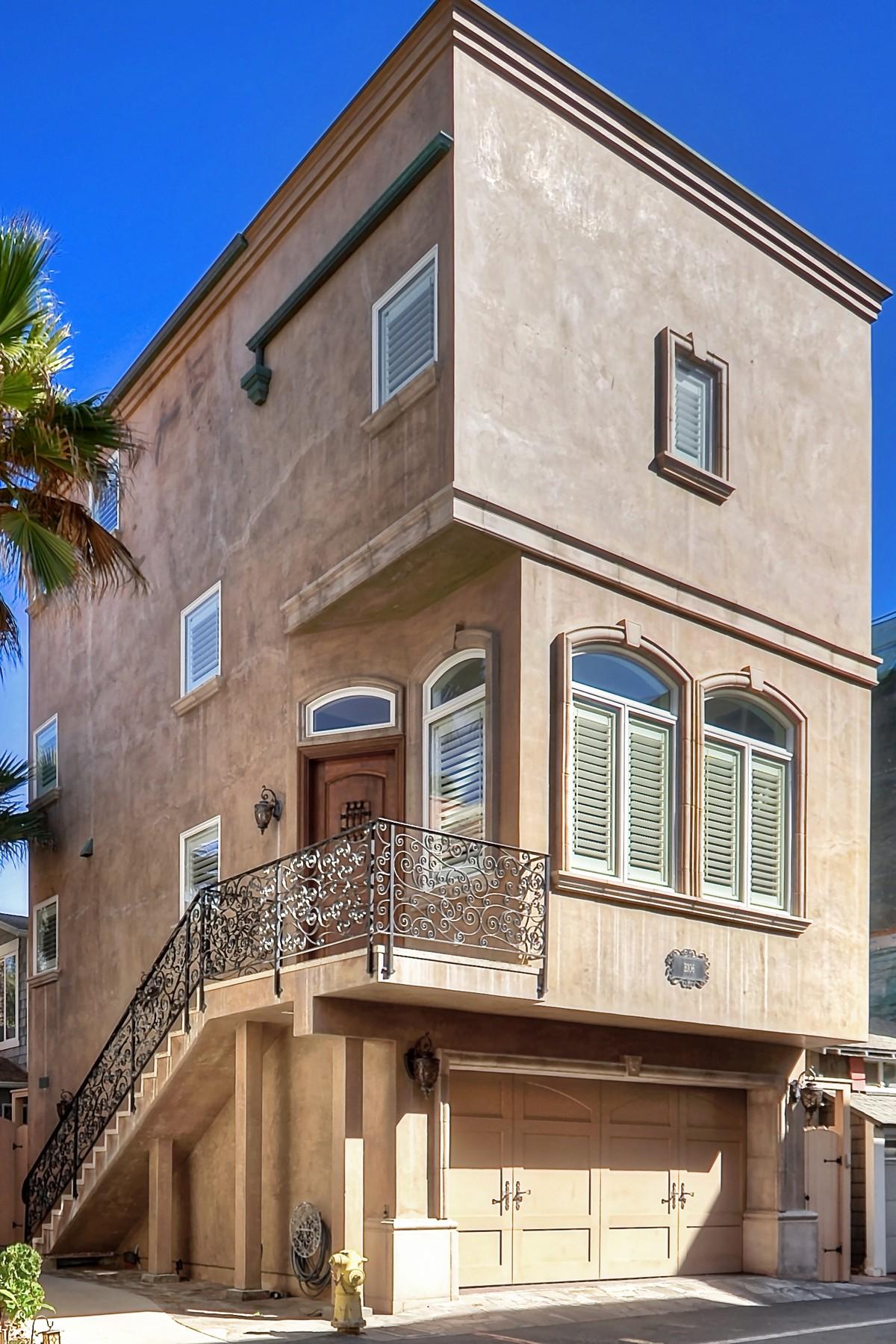 Maison unifamiliale pour l Vente à 106 Surfside Ave. #B Surfside, Californie, 90740 États-Unis