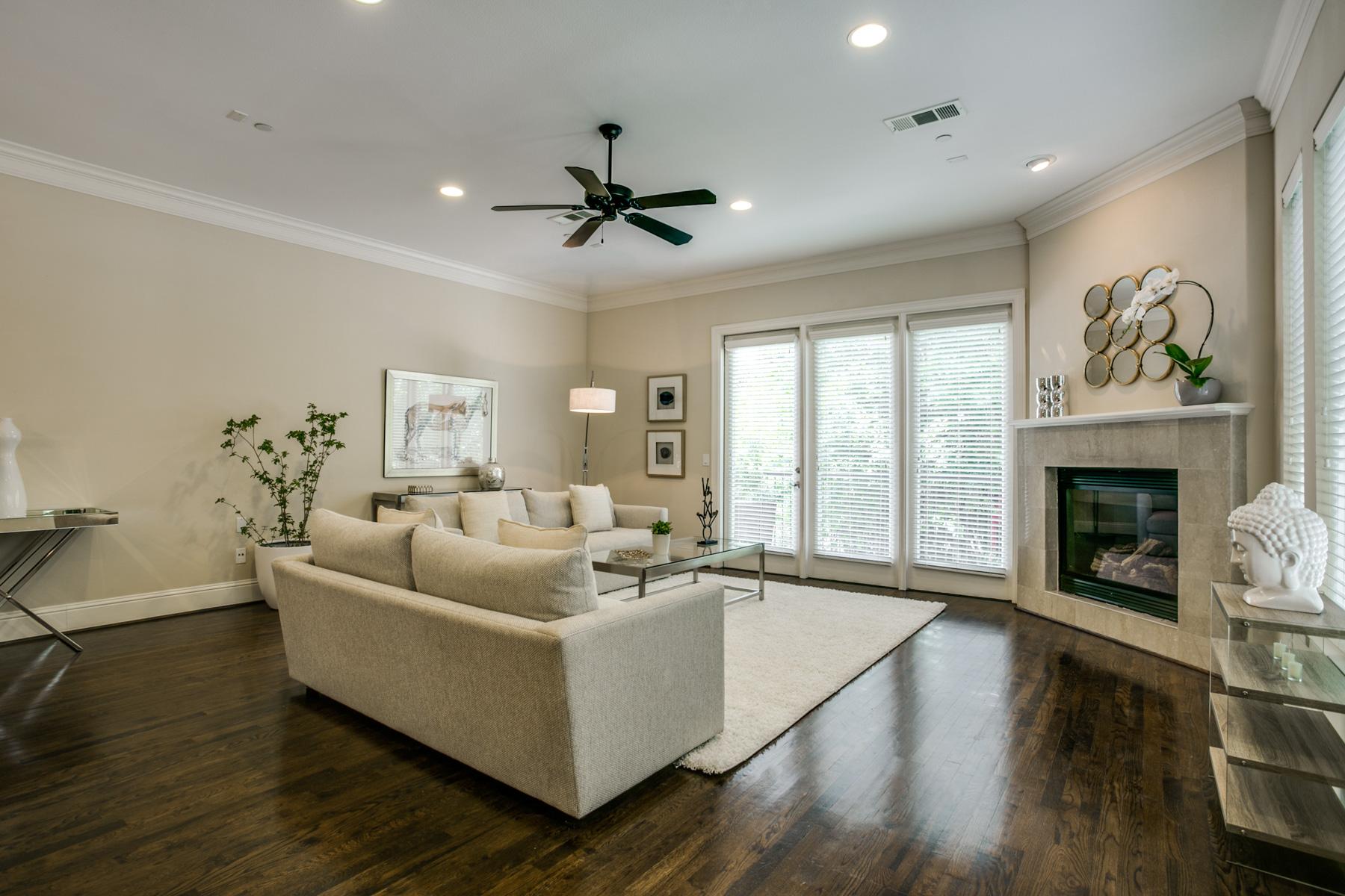 Condominio por un Venta en Condo in the Heart of Oak Lawn 4502 Holland Avenue #104 Dallas, Texas, 75219 Estados Unidos