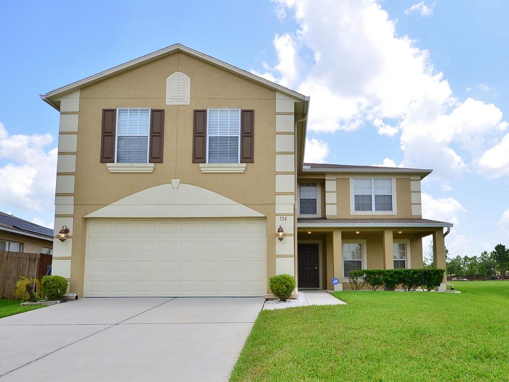 Casa para uma família para Venda às Orlando, Florida 774 Cyrstal Bay Lane Orlando, Florida 32828 Estados Unidos