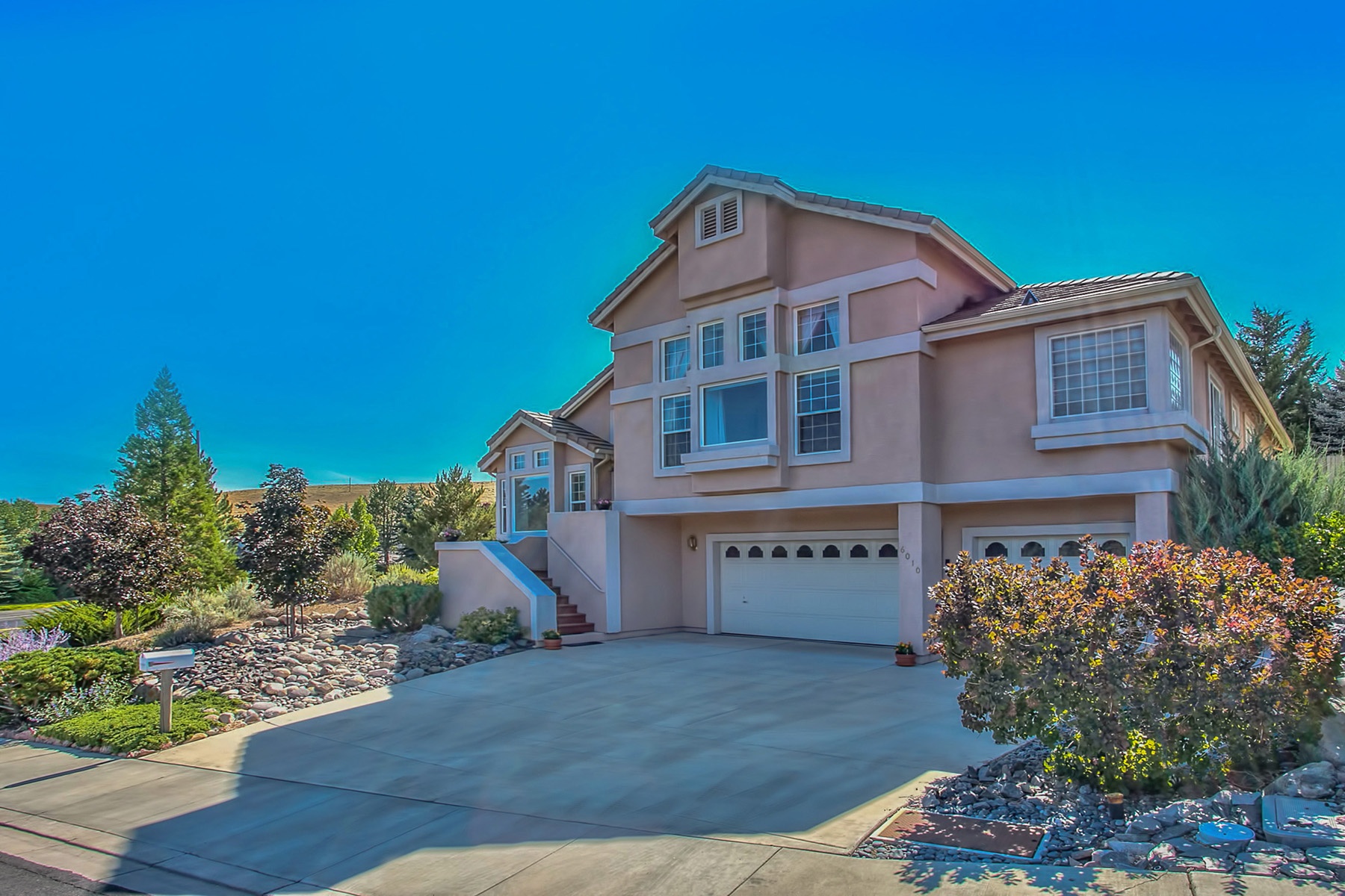 Single Family Home for Sale at 6010 Sunrise Meadows Loop 6010 Sunrise Meadows Loop Reno, Nevada 89519 United States