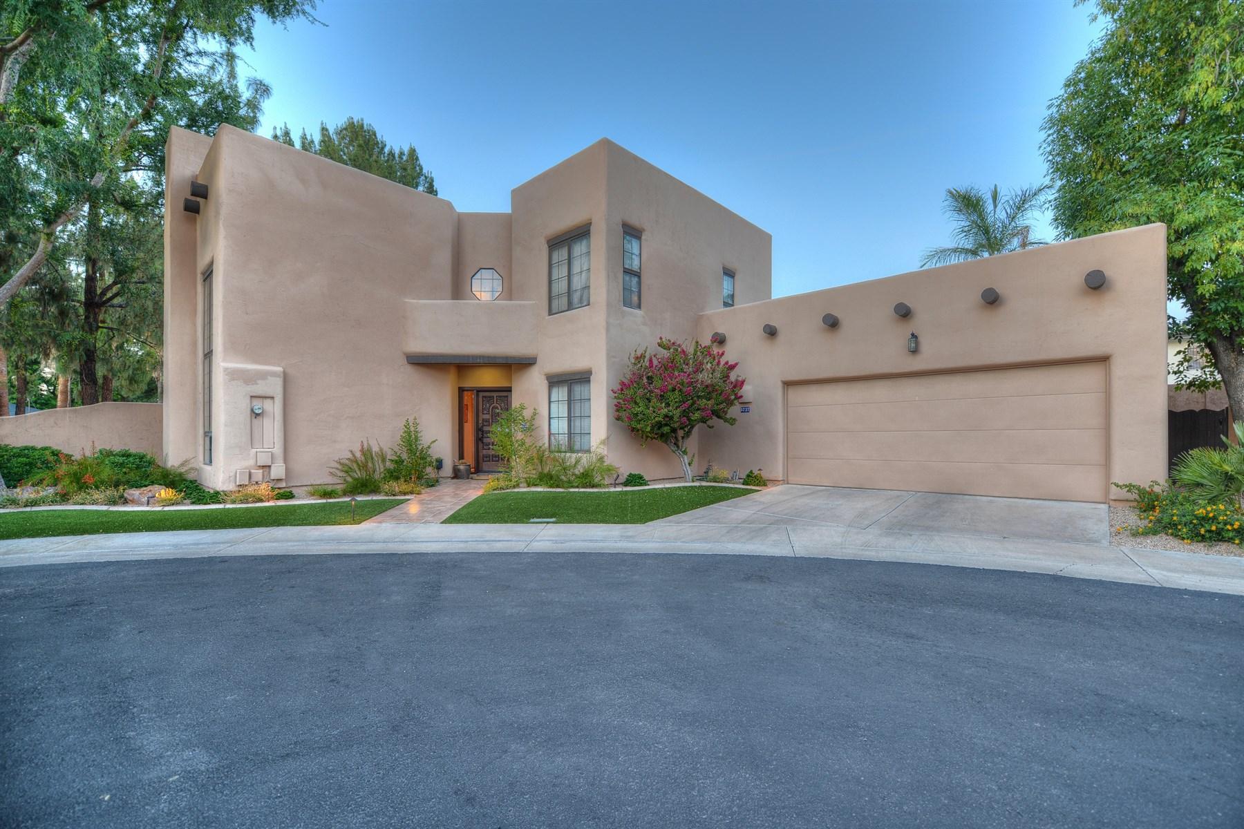 Частный односемейный дом для того Продажа на Elegance meets tranquility in the Heart of North Central Phoenix 5737 N 4TH PL Phoenix, Аризона 85012 Соединенные Штаты