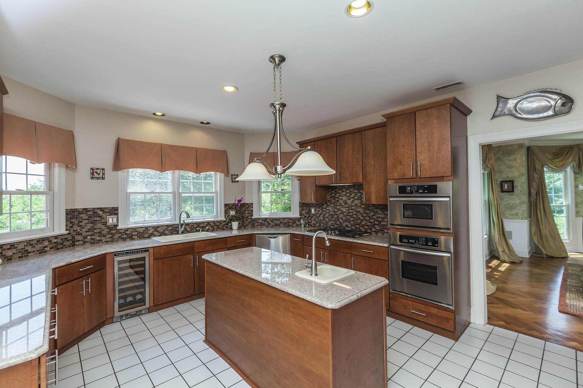 Additional photo for property listing at Live in Spa Luxury - Hopewell Township 2 Nobadeer Drive Pennington, New Jersey 08534 États-Unis
