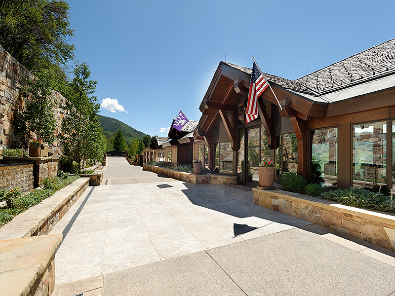 Maison unifamiliale pour l Vente à The Summit House 155 & 200 Sabin Drive Aspen, Colorado 81611 États-Unis