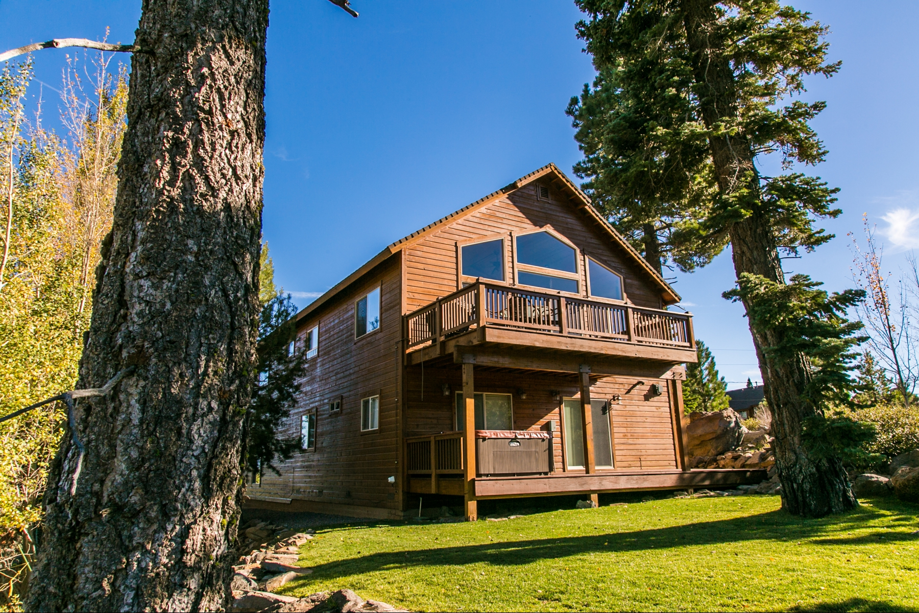 Single Family Home for Active at 13331 Hillside Drive Truckee, California 96161 United States