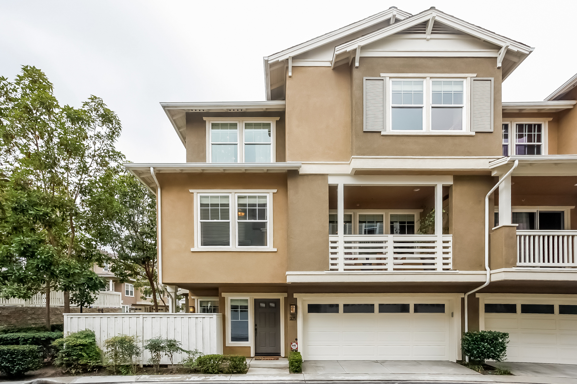 Townhouse for Sale at 1800 Oak St. #205 Torrance, California, 90501 United States