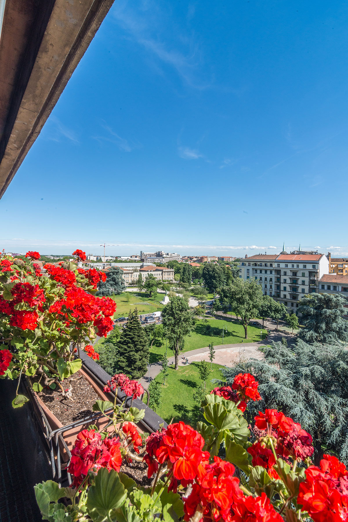 Additional photo for property listing at Exclusive penthouse in elegant building Piazza Leonardo da Vinci Milano, Milan 20133 Italien