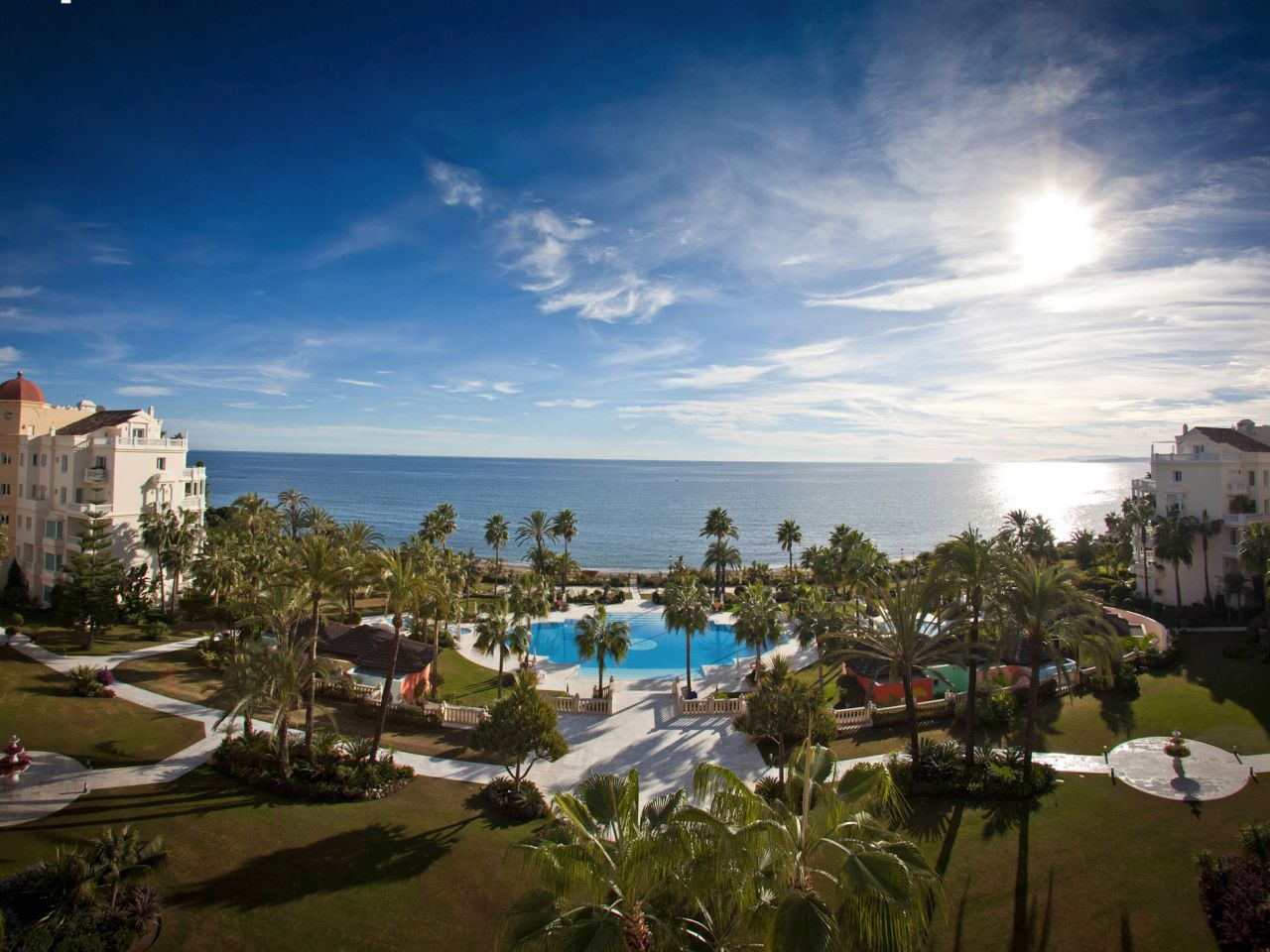 아파트 용 매매 에 A spectacular duplex penthouse las dunas park Estepona, Costa Del Sol 29680 스페인