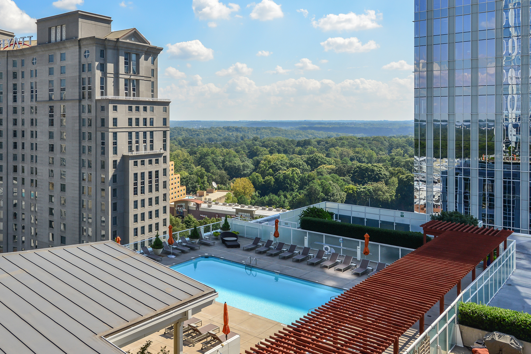 Condominium for Sale at Phenomenal Terminus Condo With Breathtaking Skyline Views 3325 Piedmont Road NE Unit 1709 Atlanta, Georgia, 30305 United States