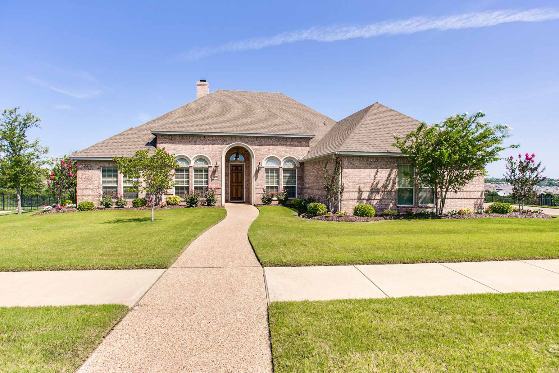 Single Family Home for Sale at One Story Hillview on Golf Course 10908 Hawkins Home Blvd. Benbrook, Texas, 76126 United States