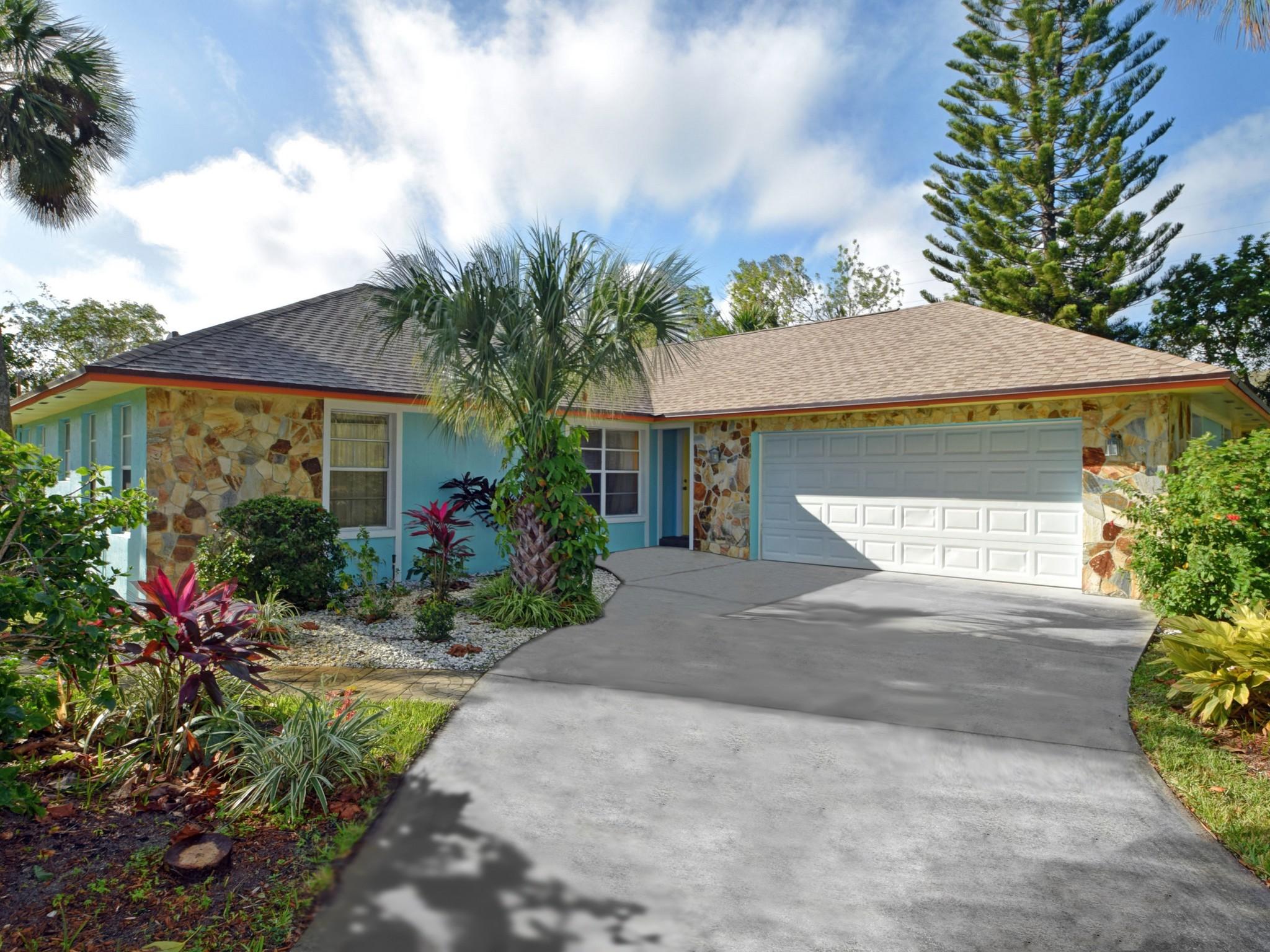 Villa per Vendita alle ore Central Beach Pool Home 706 Conn Way Vero Beach, Florida, 32963 Stati Uniti