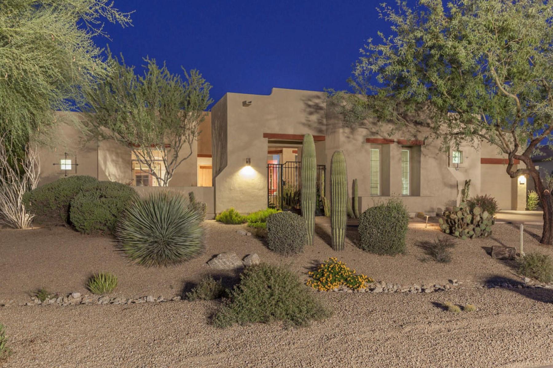 Частный односемейный дом для того Продажа на Stunning residence in Cortona Scottsdale 8310 E Nightingale Star Dr Scottsdale, Аризона, 85266 Соединенные Штаты