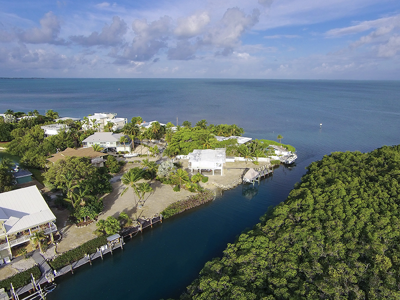 Property For Sale at 100' Of Waterfront Parcel