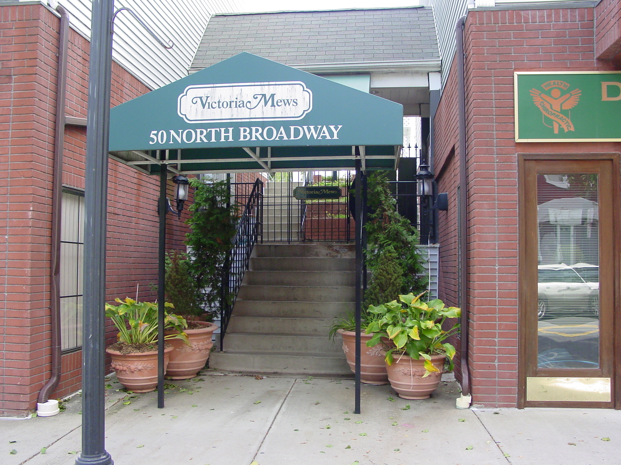 Single Family Home for Sale at Victoria Mews - Sale Pending 50 North Broadway Unit 16 Nyack, New York 10960 United States