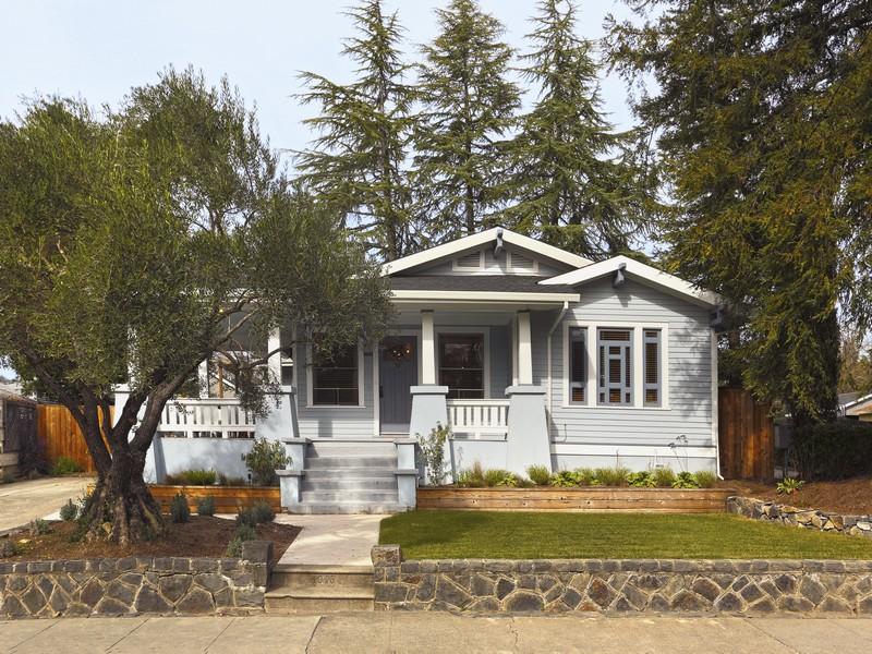 Casa para uma família para Venda às Downtown Charmer 407 North Street Healdsburg, Califórnia 95448 Estados Unidos