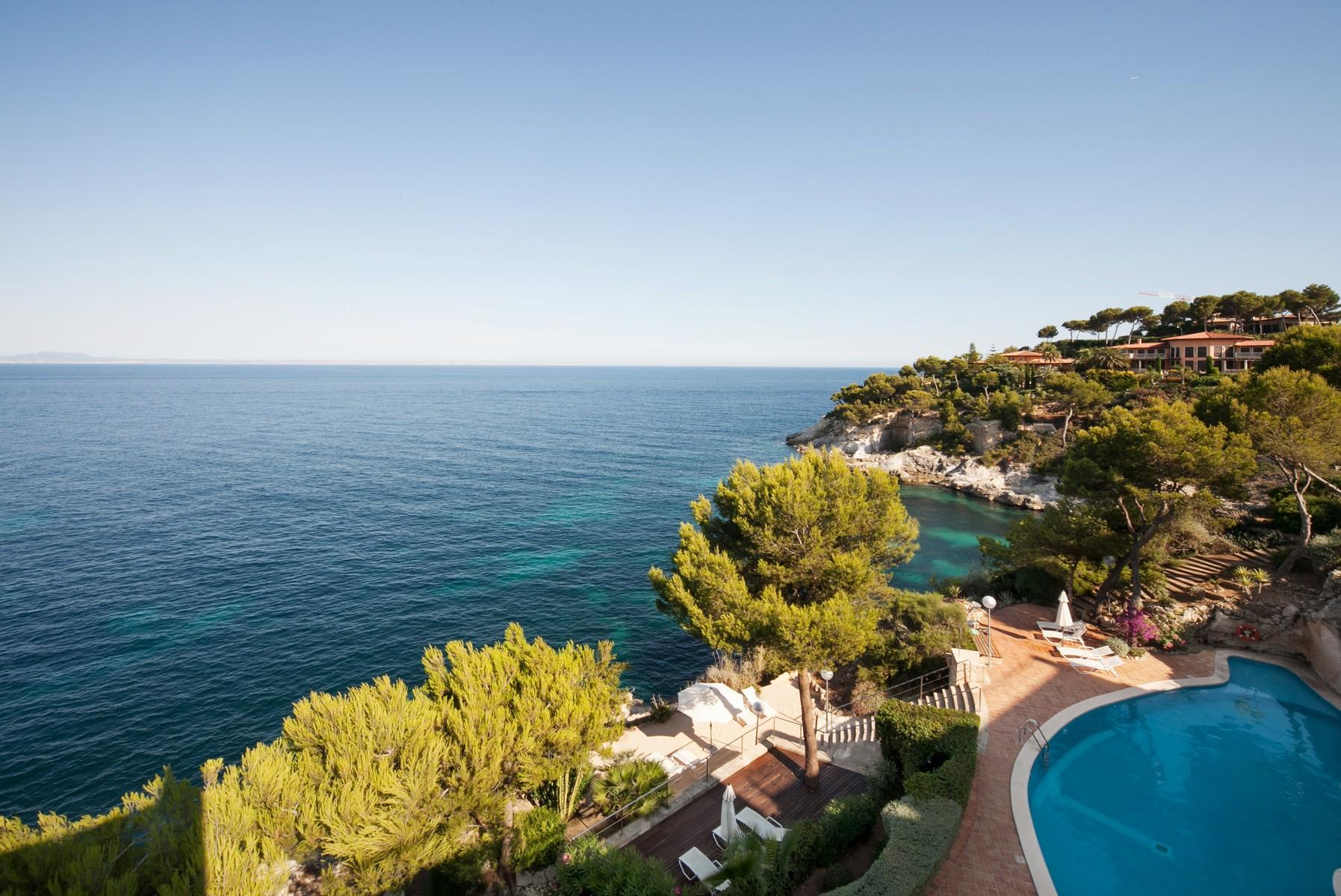 단독 가정 주택 용 매매 에 Stunning penthouse in Cala Vinyes Palma Nova, 말로카, 07184 스페인