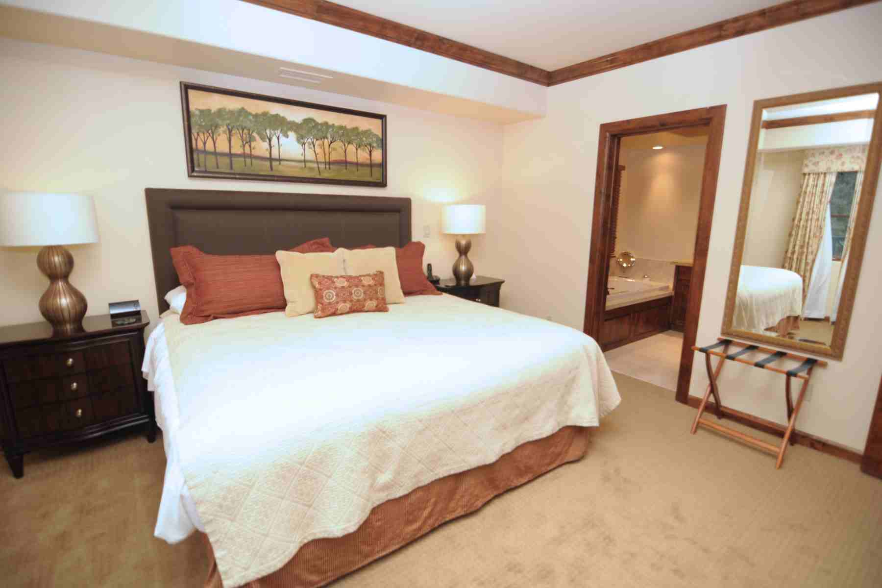 Additional photo for property listing at Exceptional In Town Condo 680 E Sun Valley Rd #1 Ketchum, Idaho 83340 United States