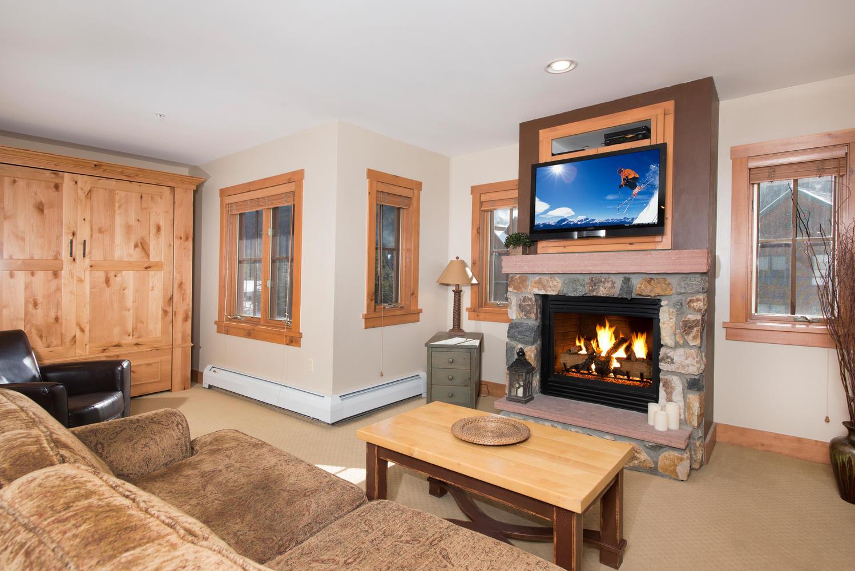 Appartement en copropriété pour l Vente à Contemporary Ski Condo 135 Dercum Drive Unit 8594 Keystone, Colorado, 80435 États-Unis