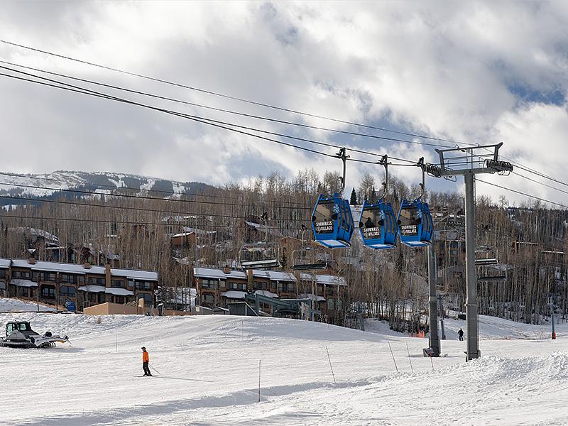 Кооперативная квартира для того Продажа на Top Floor on the Ski Slopes 105 Burlingame Road #502 Snowmass Village, Колорадо 81615 Соединенные Штаты