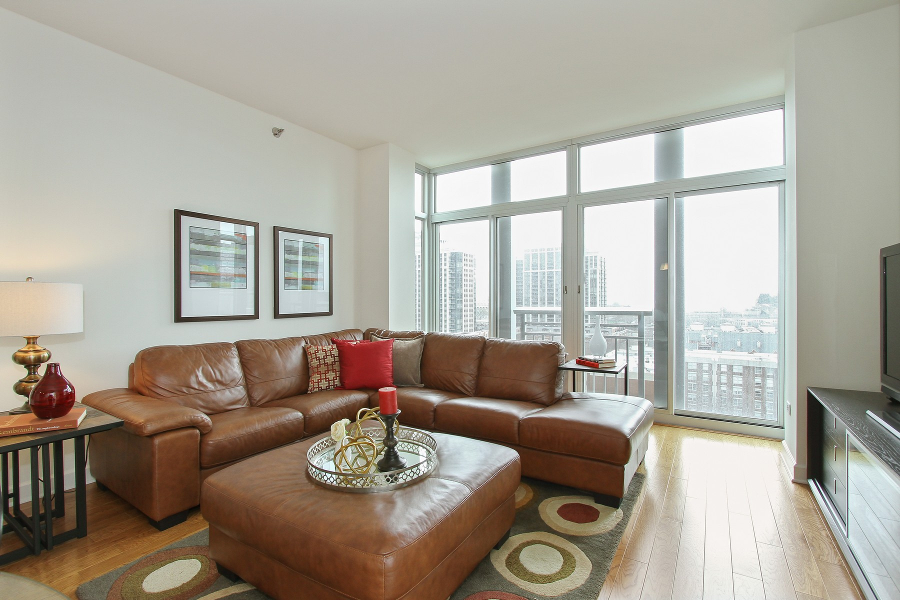 Condominium for Sale at Luxury Two Bedroom 1400 S Michigan Avenue Unit 1004 Near South Side, Chicago, Illinois, 60605 United States