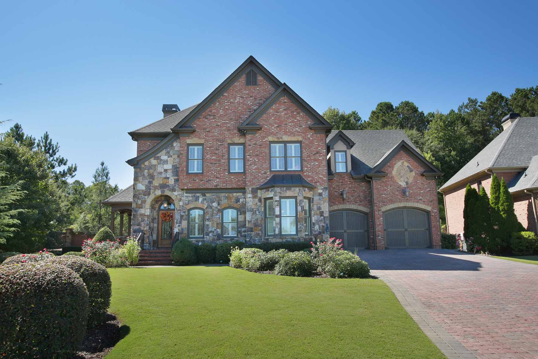 Villa per Vendita alle ore Mediterranean Style Brick And Stone Home On Fabulous Lot In Culdesac 8365 Royal Melbourne Way Duluth, Georgia, 30097 Stati Uniti