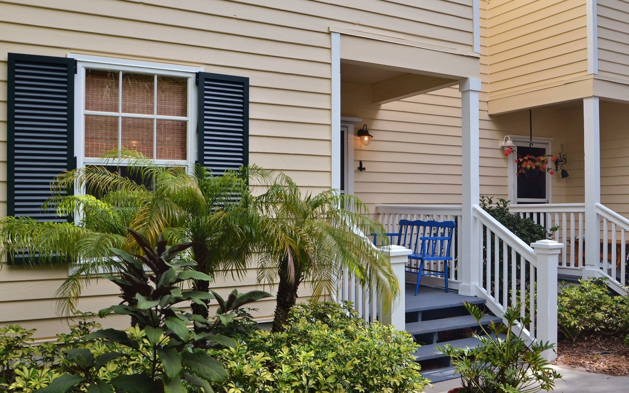 Single Family Home for Sale at Charming Sea Oaks Cottage 1300 Palmetto Ct#109 Vero Beach, Florida, 32963 United States