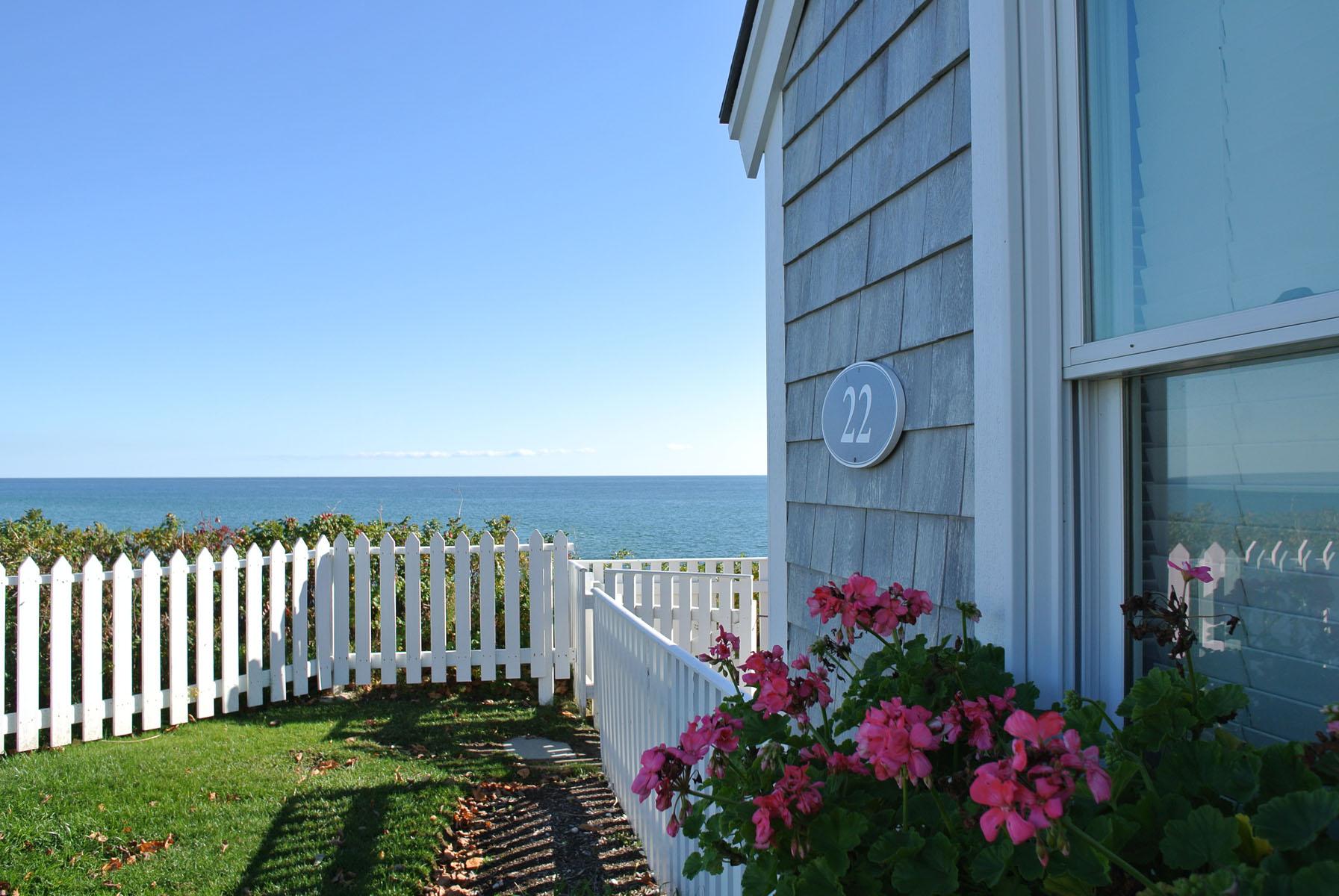Maison unifamiliale pour l Vente à OCEAN VIEW COTTAGE 22 Milestone Way Unit 607 Mashpee, Massachusetts, 02649 États-UnisDans/Autour: Mashpee