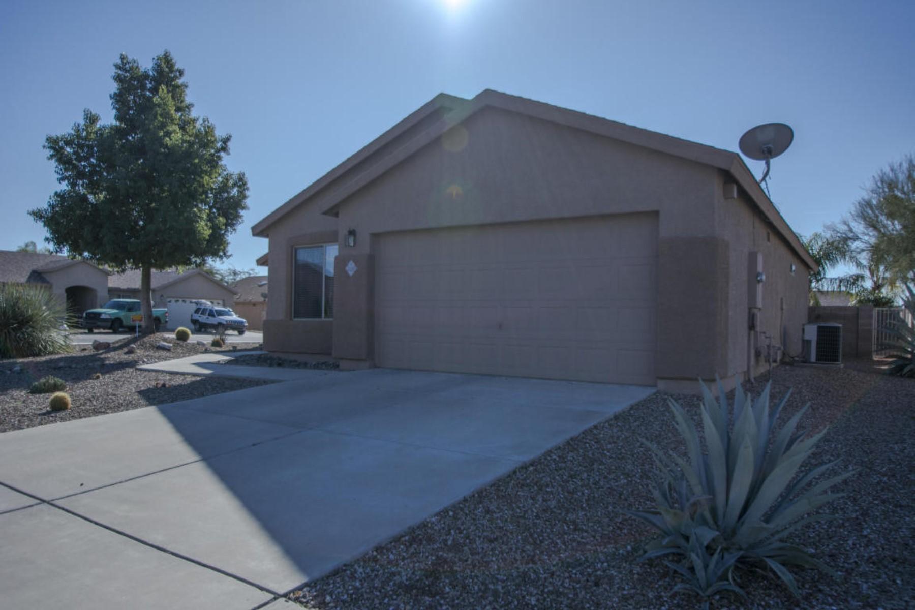 Nhà ở một gia đình vì Bán tại Amazing style Tucson home 4233 W Veranda Street Tucson, Arizona 85741 Hoa Kỳ
