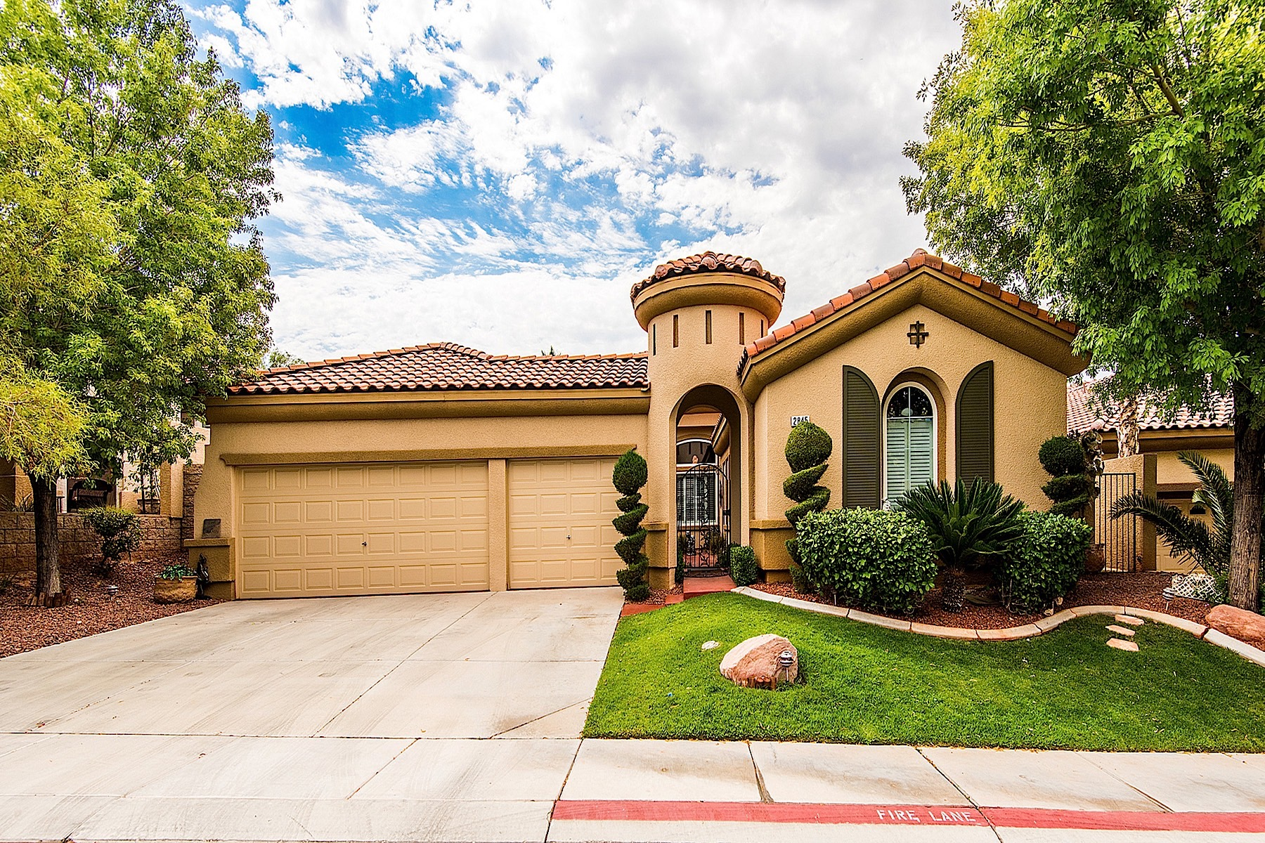 Single Family Home for Sale at 2845 Bassano Court Henderson, Nevada, 89052 United States