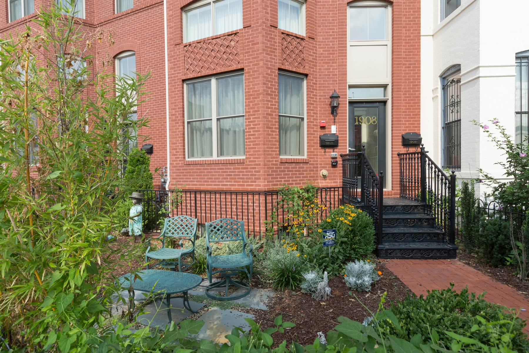 Townhouse for Sale at U Street/Logan Circle 1908 Vermont Avenue Nw A Washington, District Of Columbia 20001 United States