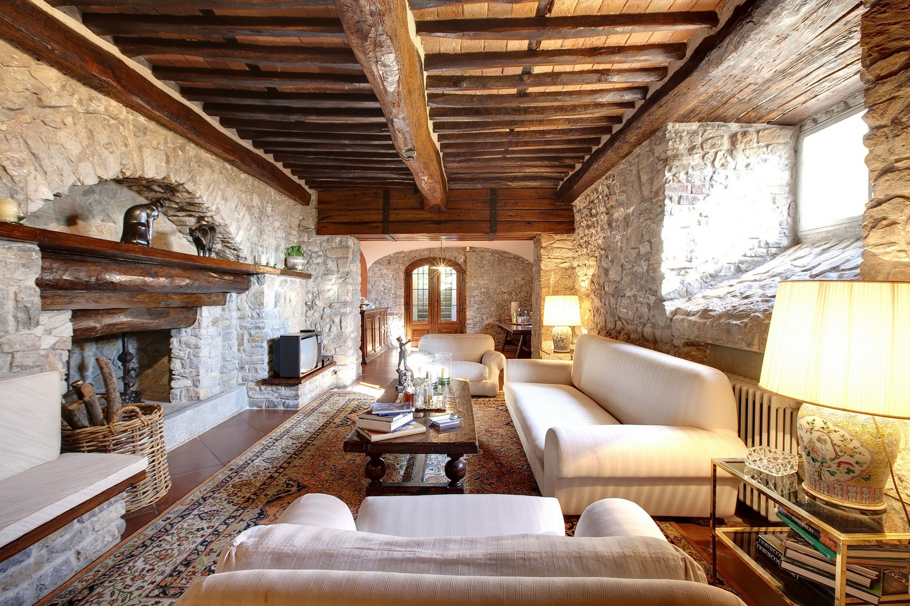Additional photo for property listing at Exclusive villa in Lucchesia Lucca, Lucca Italia