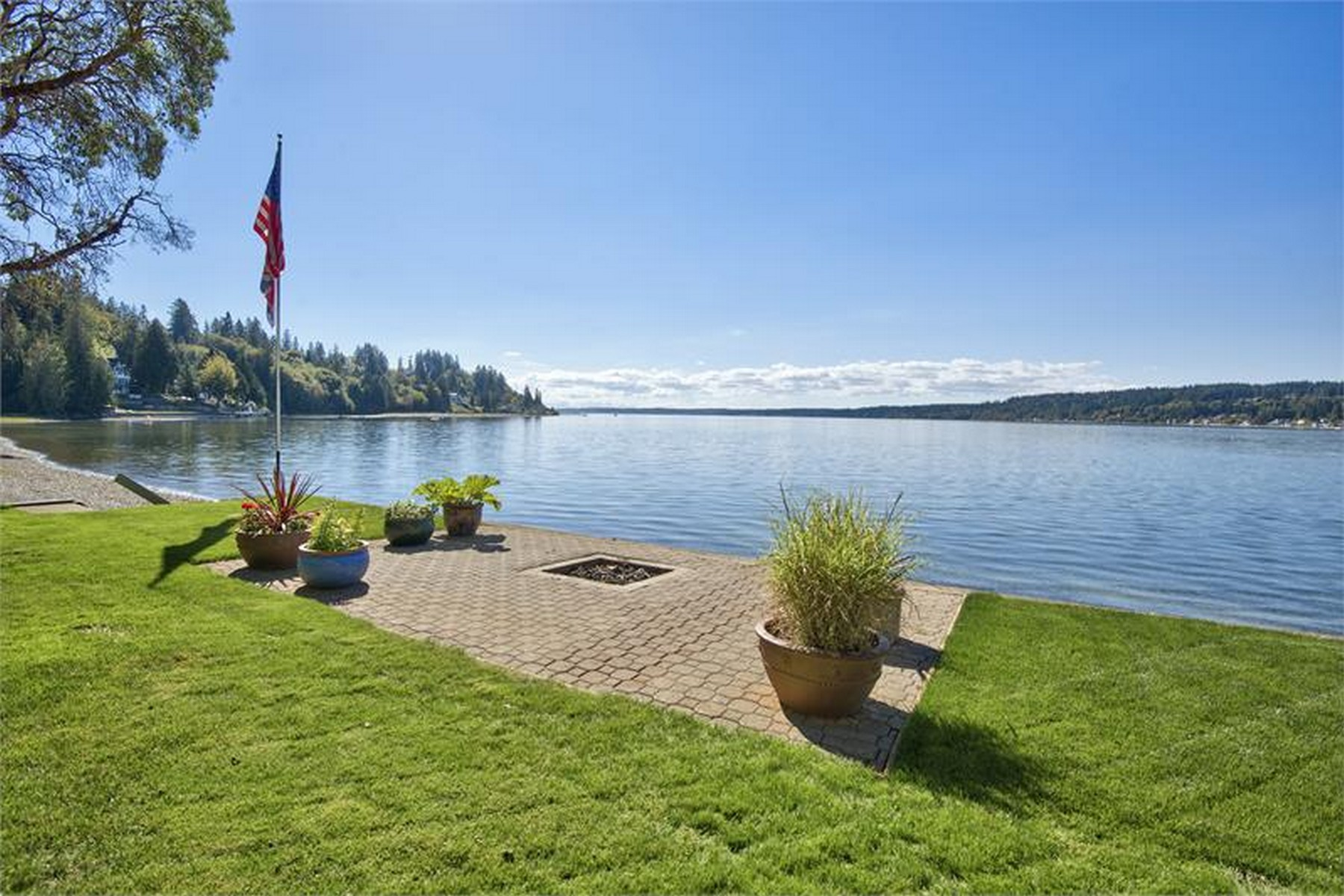 Single Family Home for Sale at Spectacular Waterfront Estate 12706 Burnham Dr. NW Gig Harbor, Washington, 98332 United States