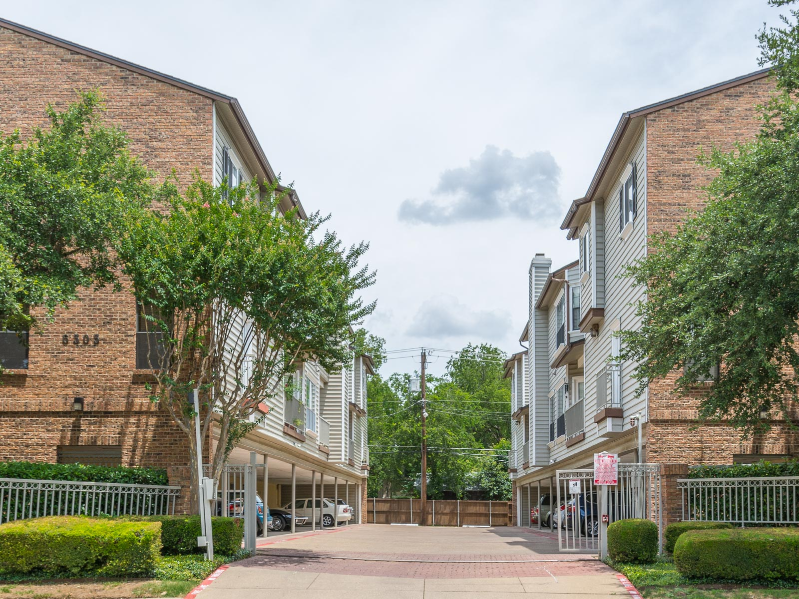 Condominium for Sale at Lakewood Condominium 6303 Richmond Avenue #208 Dallas, Texas 75214 United States