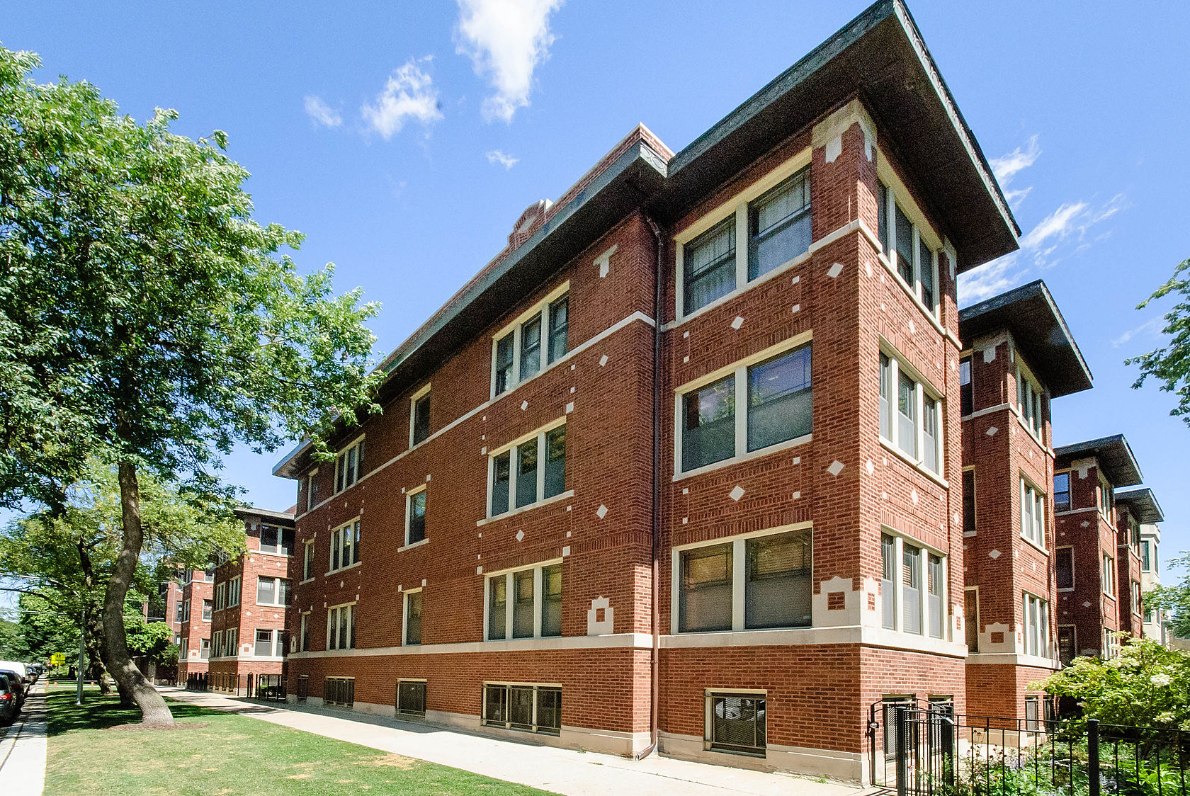 Property For Sale at Simply Enormous Garden Unit In Rogers Park