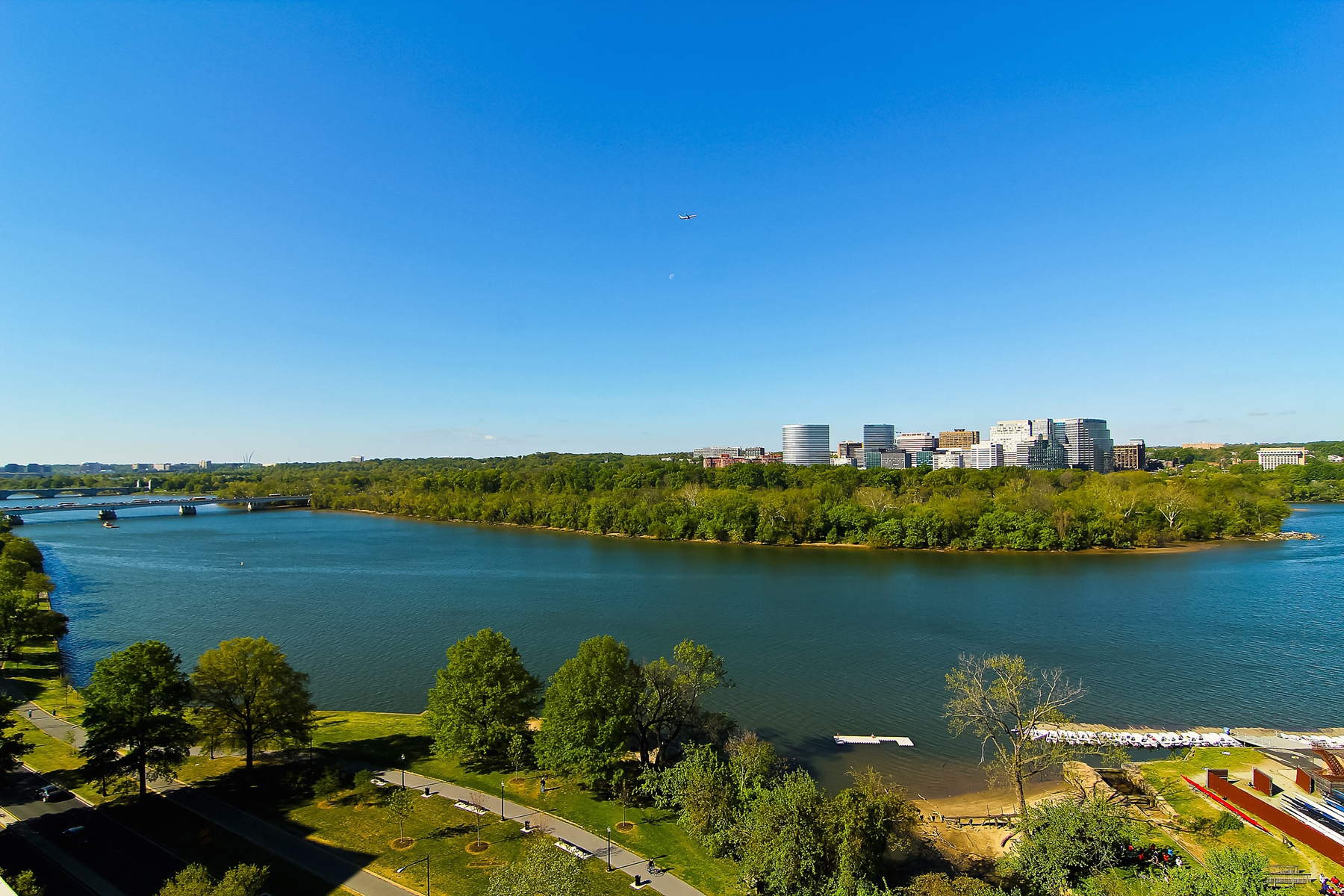 Apartment for Rent at Watergate West 2700 Virginia Avenue Nw 1501 Washington, District Of Columbia 20037 United States