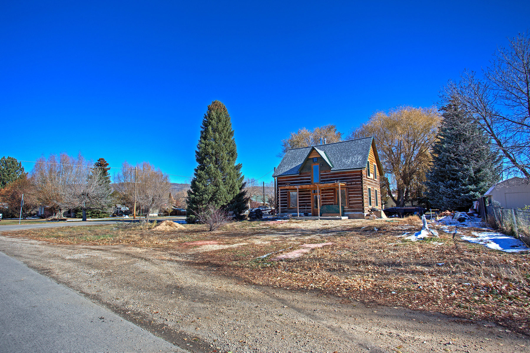 Villa per Vendita alle ore Cute and Cozy Home on .51 Acre Lot 411 East 300 South Heber, Utah 84032 Stati Uniti