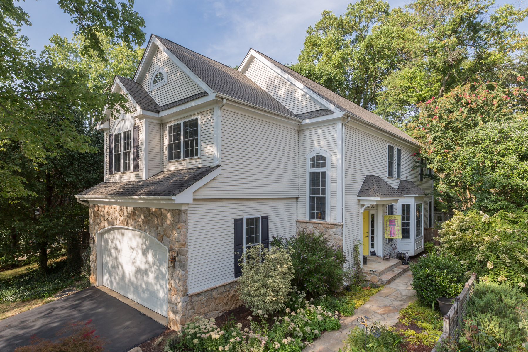 Single Family Home for Sale at 1245 Beverly Road, Mclean 1245 Beverly Rd McLean, Virginia, 22101 United States