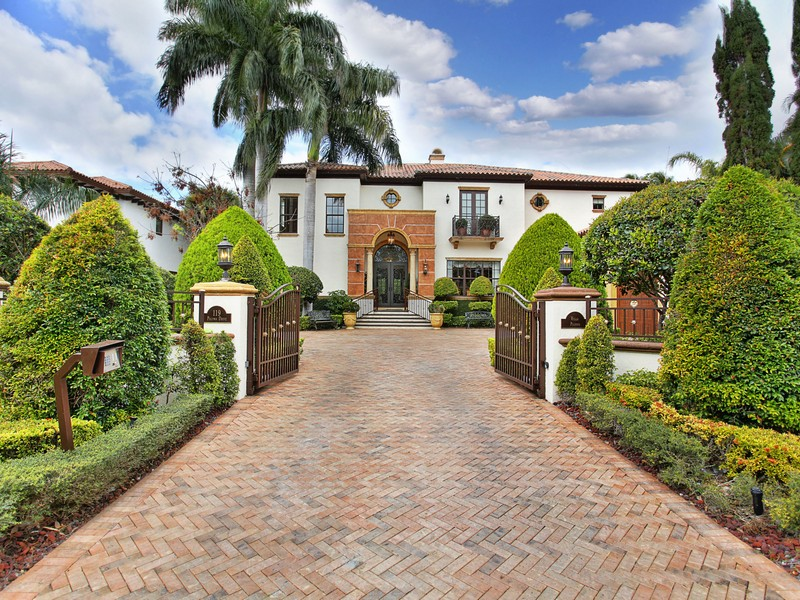 Single Family Home for Sale at 119 Paloma Drive Coral Gables, Florida 33143 United States